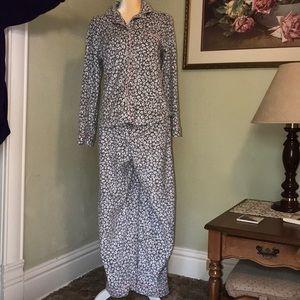 DKNY Ladies Fleece Pajamas Size Large